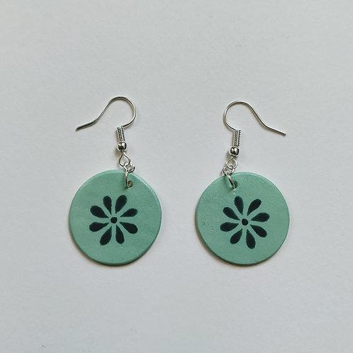 Green daisy circle earrings (M)