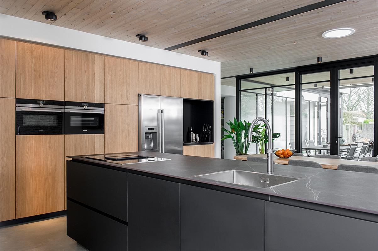 Keuken zwart 3.jpg