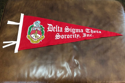 DST Vintage Pennant (Old English)