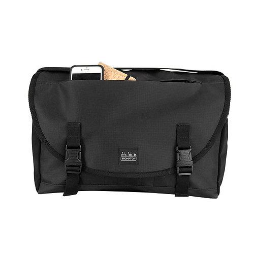 Brompton Metro Messenger Bag Medium in Black