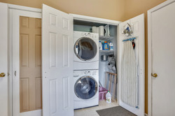 Main Level-Washer Dryer-_A7R2485