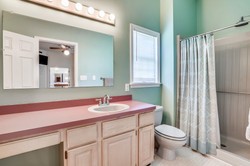 Main Level-Primary Bath-_A7R2350