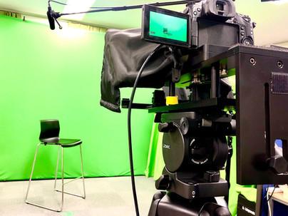 セミナー・ラーニング動画を作る際、視聴者の離脱を防ぐ4つのポイントを紹介します。