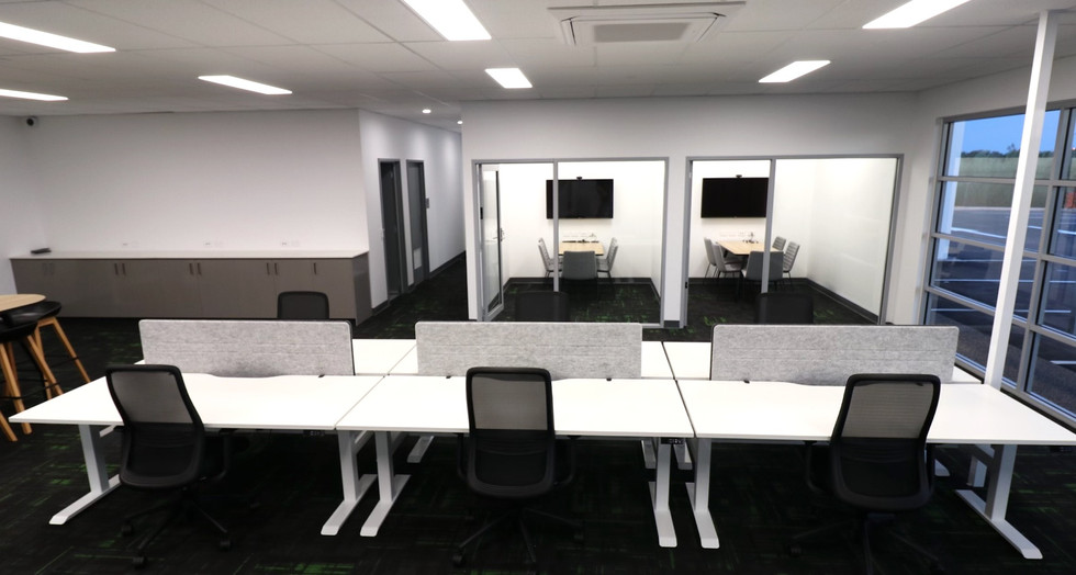 Schneider workstation and meeting tables