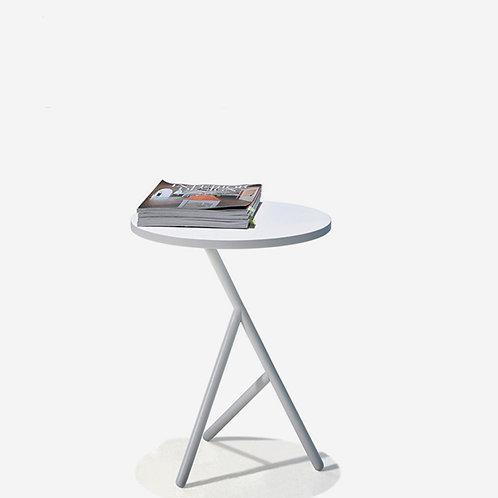 VX Side Table 400D (white on white)