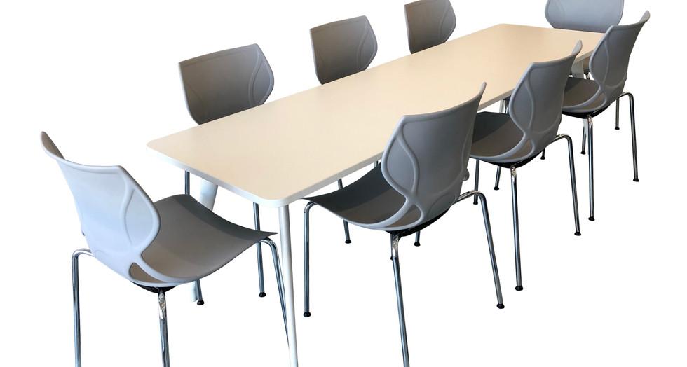 SCHNEIDER Electric Breakout.  V12 Grab Chair.  V4 SV2 Table_edited.jpg