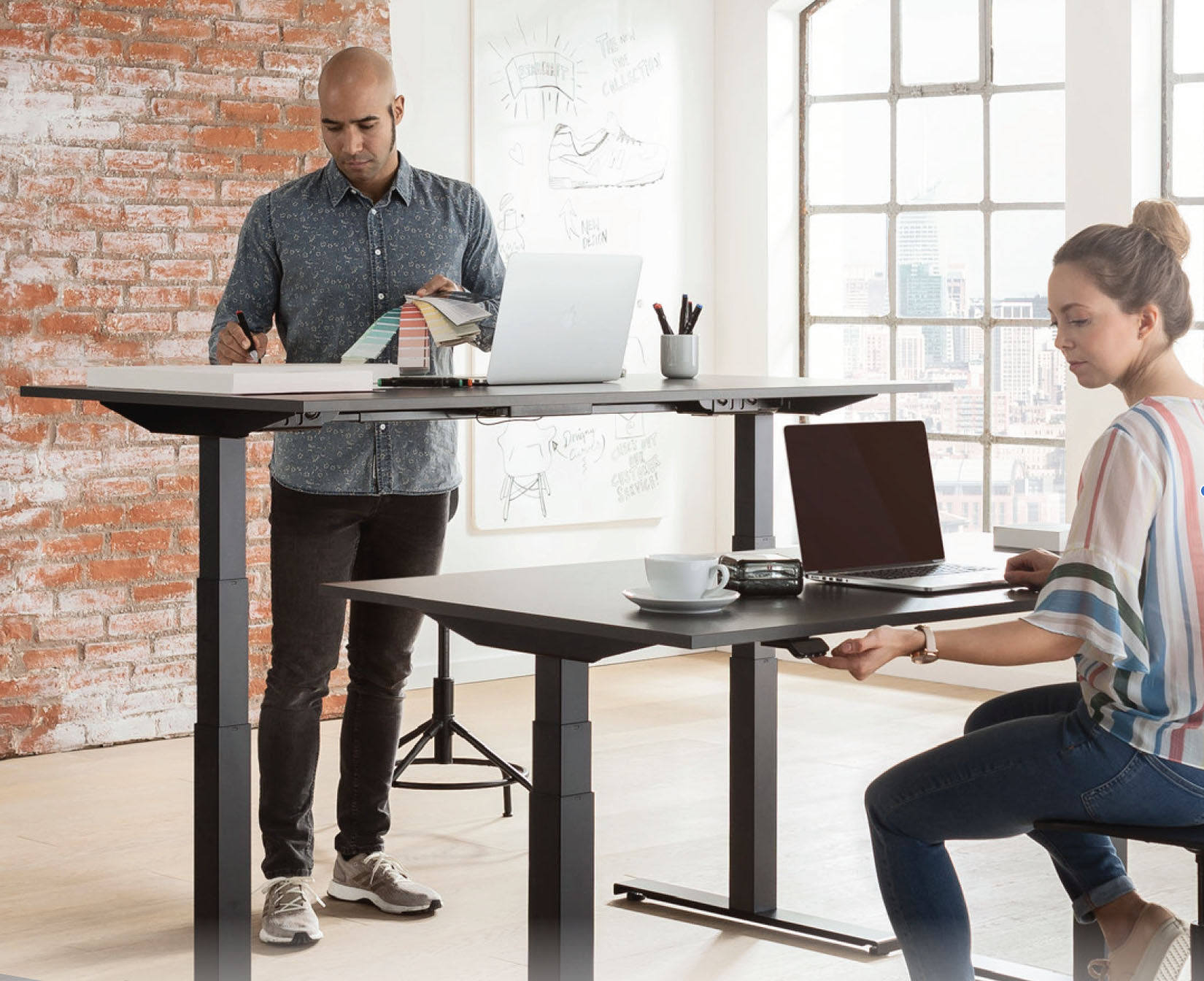V2 electric sit stand desk