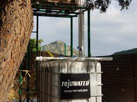Sewage treatment plant using sunlight and soil
