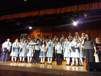 Recibimos en su 50º Aniversario al Coro Nacional de Niños