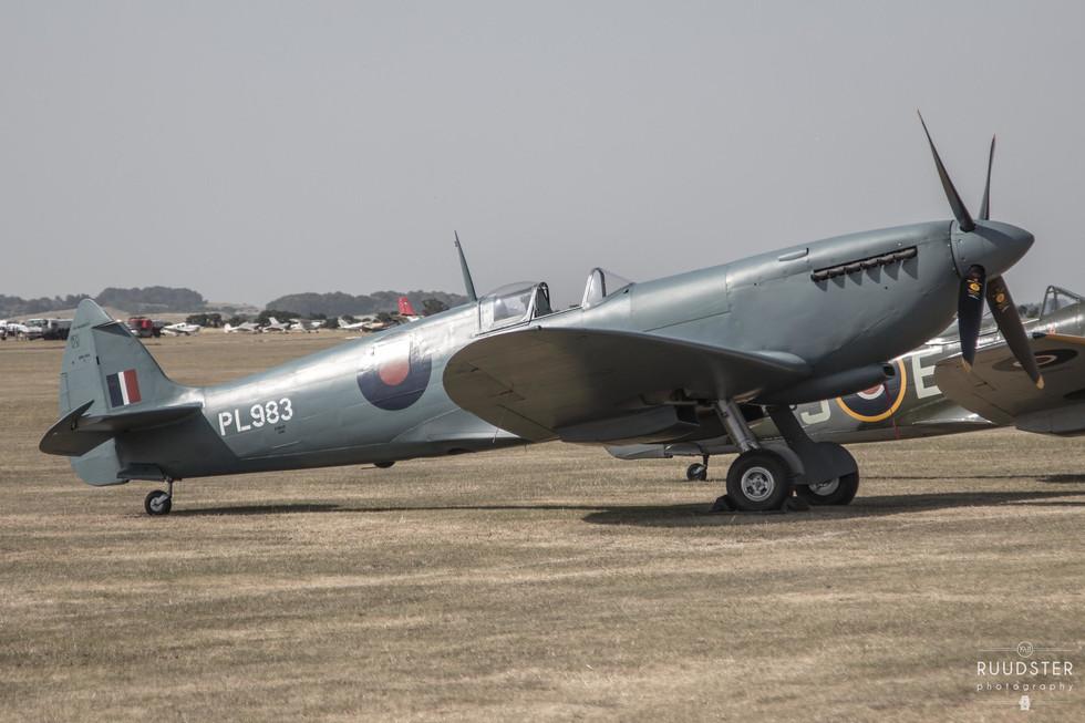 PL983 / G-PRXI | Build: 1944 - Supermarine Spitfire