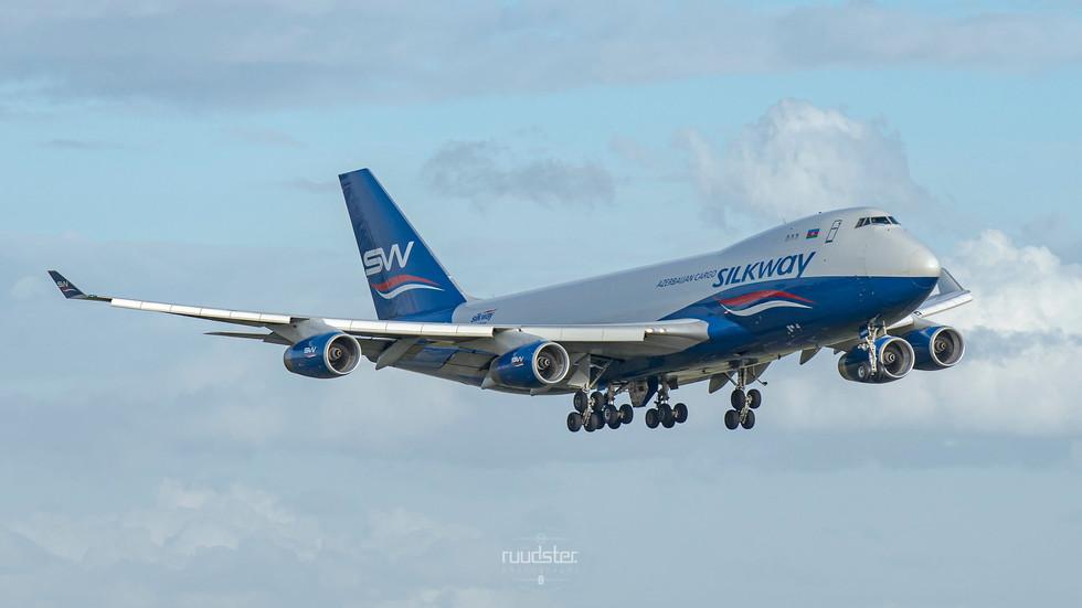 1999 | 4K-SW888 | Boeing 747-4R7F