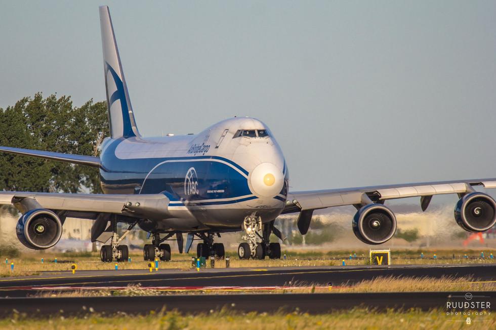 VP-BIK | Build: 2010 - Boeing 7474-46NF