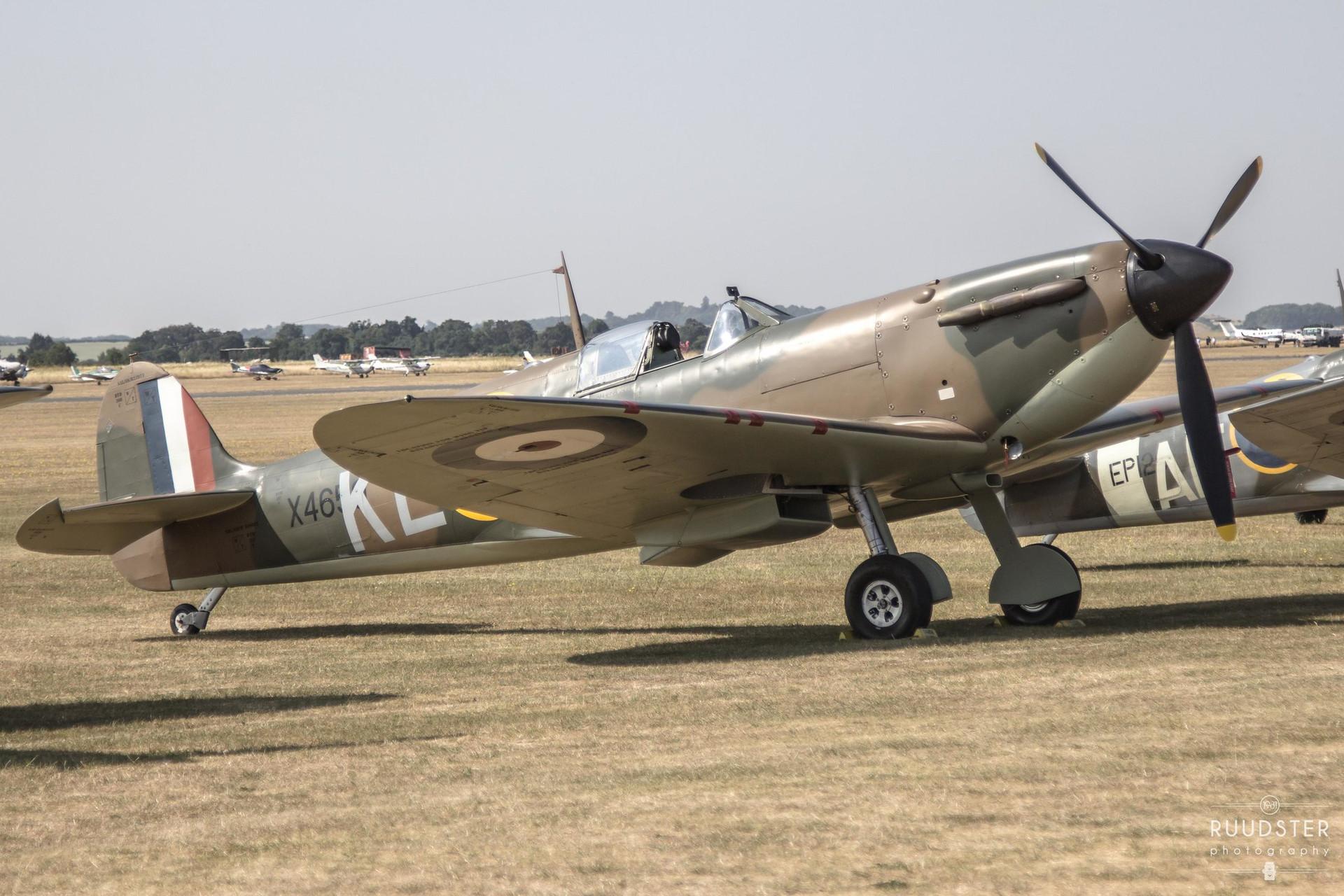 X4650 / G-CGUK   Build: 1940 - Supermarine Spitfire Mk.I