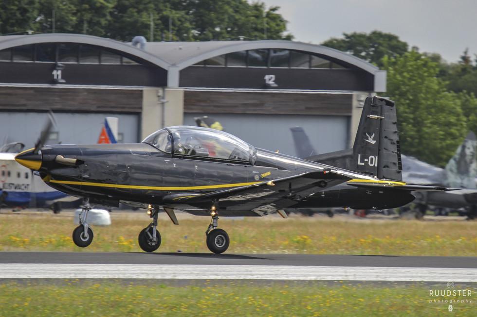 L-01 | Build: 1989 - Pilatus PC-7