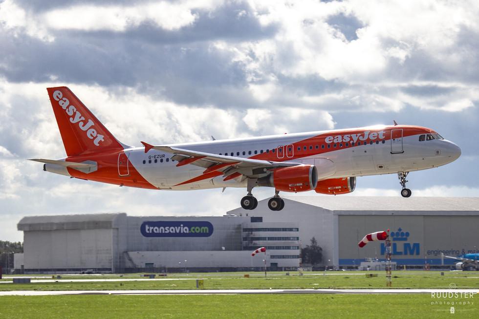 G-EZUR | Build: 2012 - Airbus A320-214