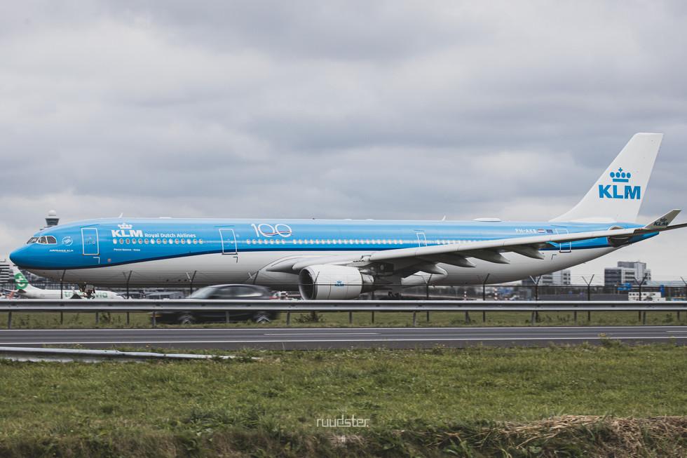PH-AKB   Build: 2012 - Airbus A330-303