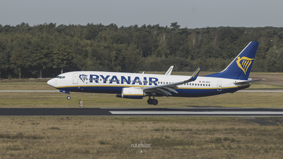9H-QCH   Build: 2016 - Boeing 737-8AS