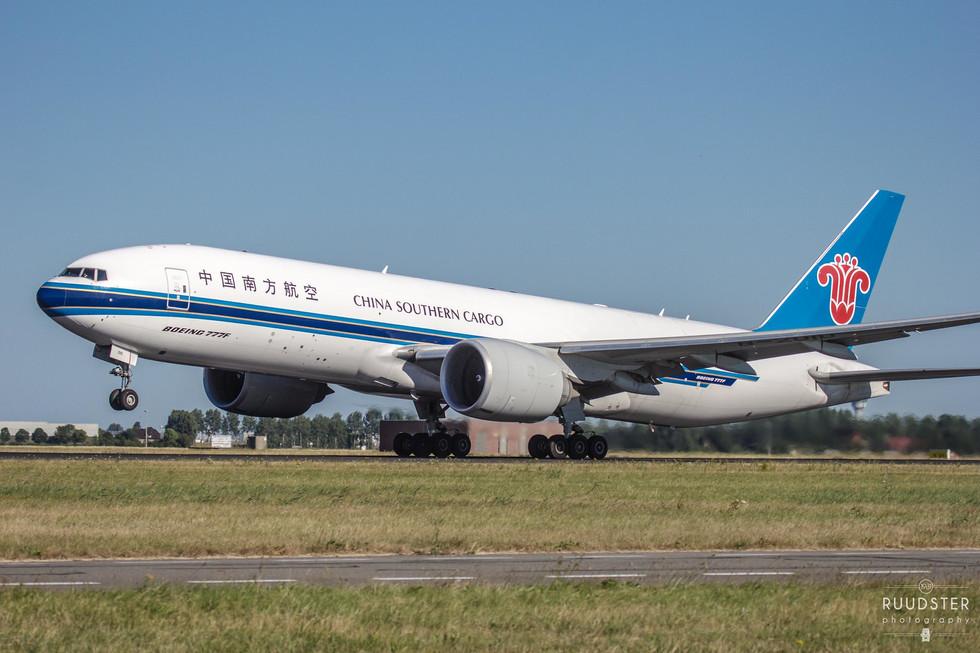 B-2010   Build: 2015 - Boeing 777-F1B
