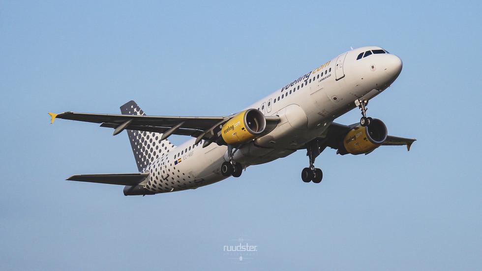 EC-MBF | Build: 2008 - Airbus 320-214
