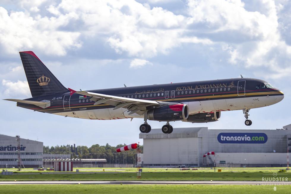 JY-AYR | Build: 2011 - Airbus A320-232