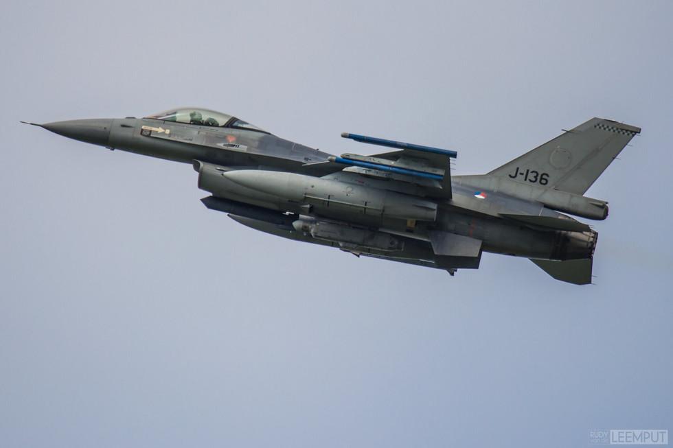 J-136 | Build: 1987 - Lockheed F-16 A Fighting Falcon