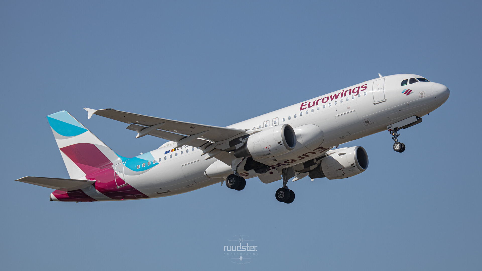 OO-SNN | Build: 2010 - Airbus A320-214