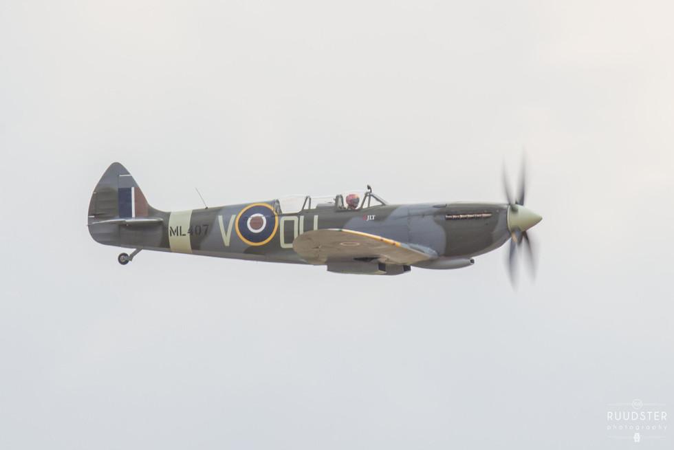 ML407 | Build: 1944 - Supermarine Spitfire Mk.IX