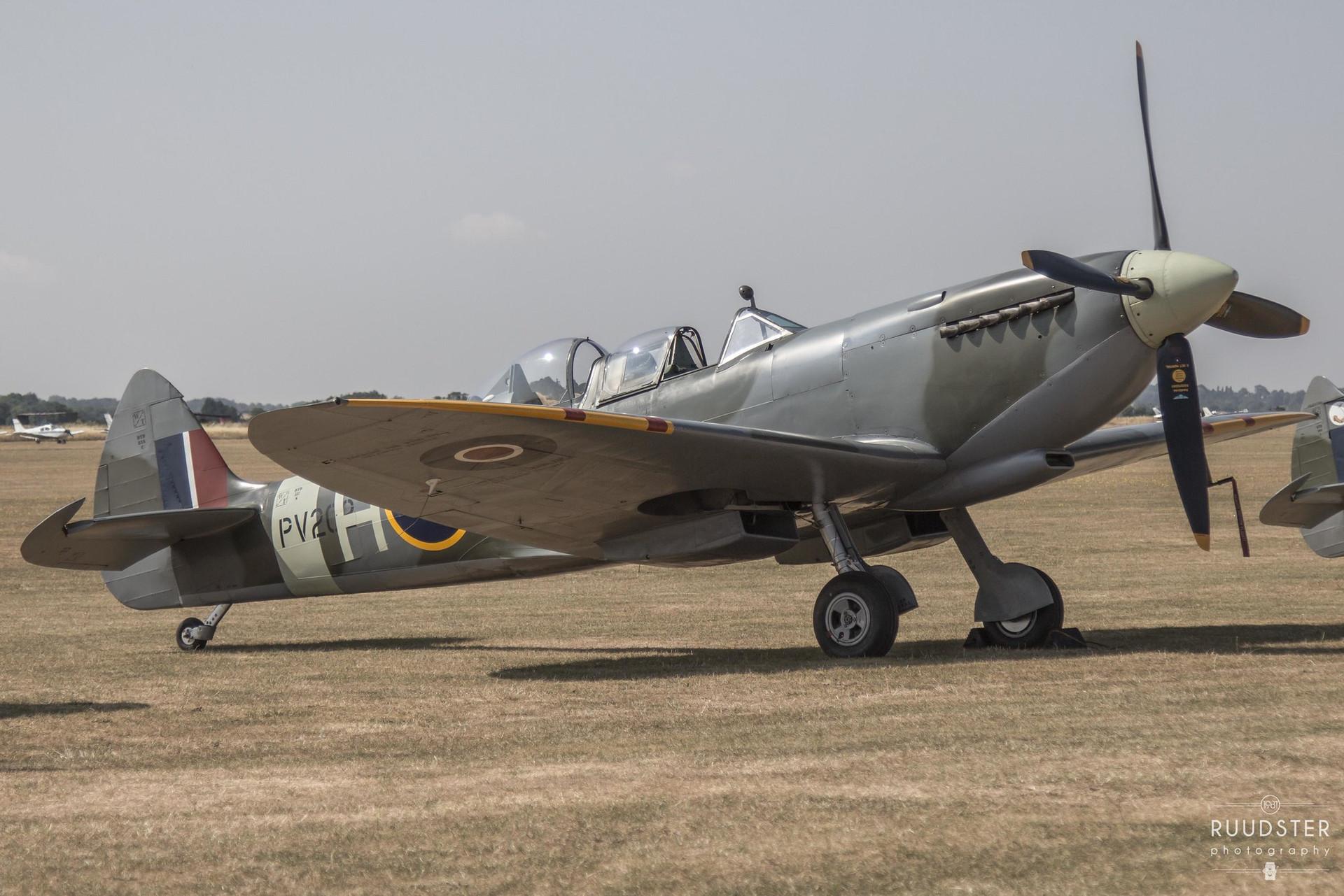PV202   Builf: 1944 - Supermarine Spitfire Mk.T.iX