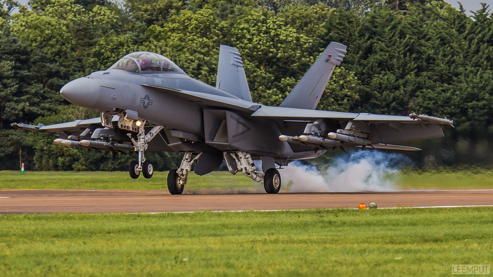 168930   Build: 1995 - Boeing F/A-18 Super Hornet