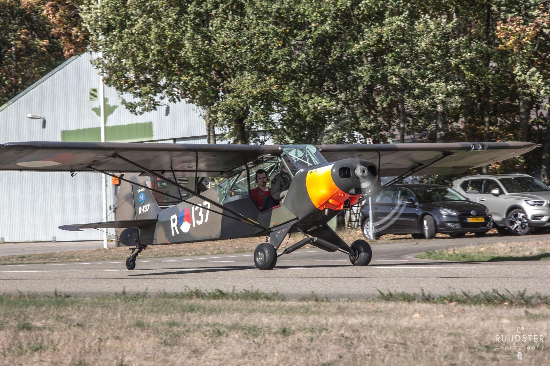 R-137   Build: 1954 - Piper Super Cub L-21A/U-7B
