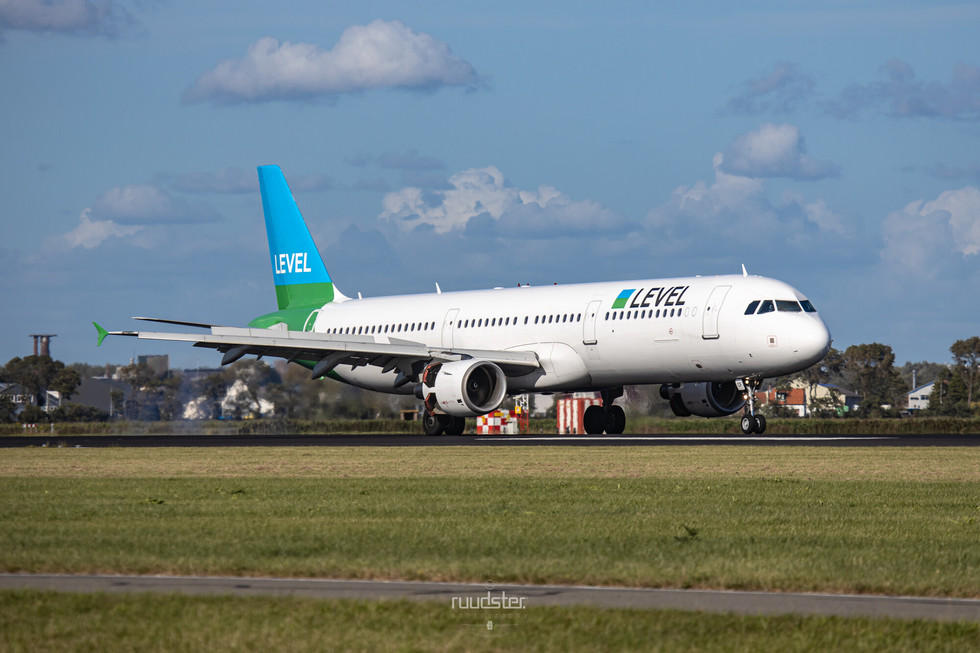 OE-LCF | Build: 2003 - Airbus A321-200