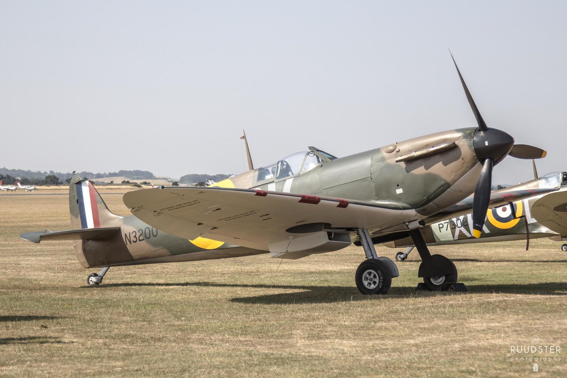 N3200/ G-CFGJ   Build: 1939 - Supermarine Spitfire Mk.Ia