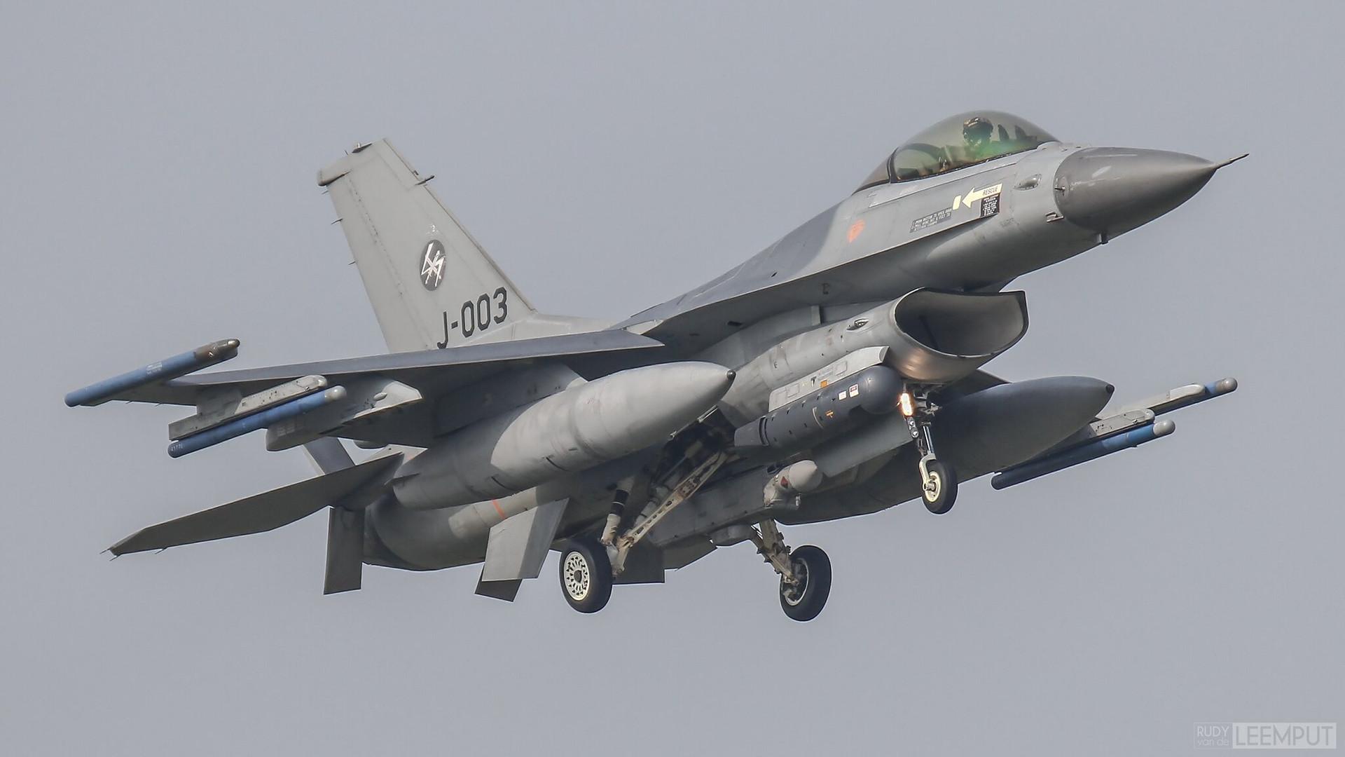 J-003   Build: 1990 - Lockheed F-16 A Fighting Falcon