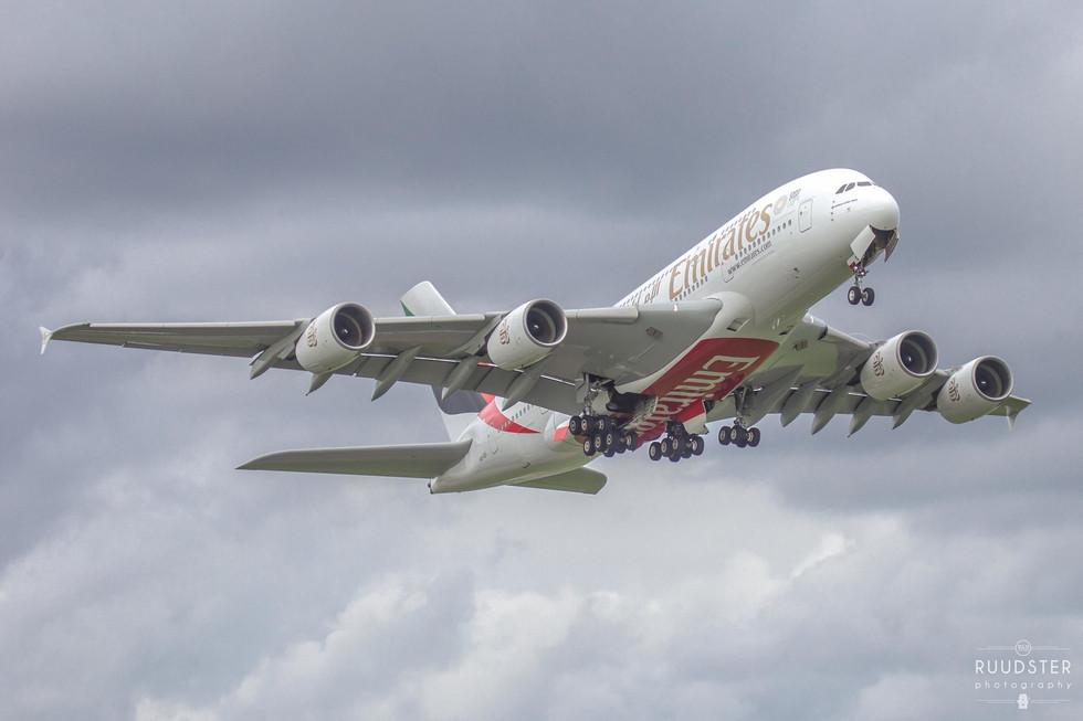 A6-EDI | Build: 2010 - Airbus A380-861