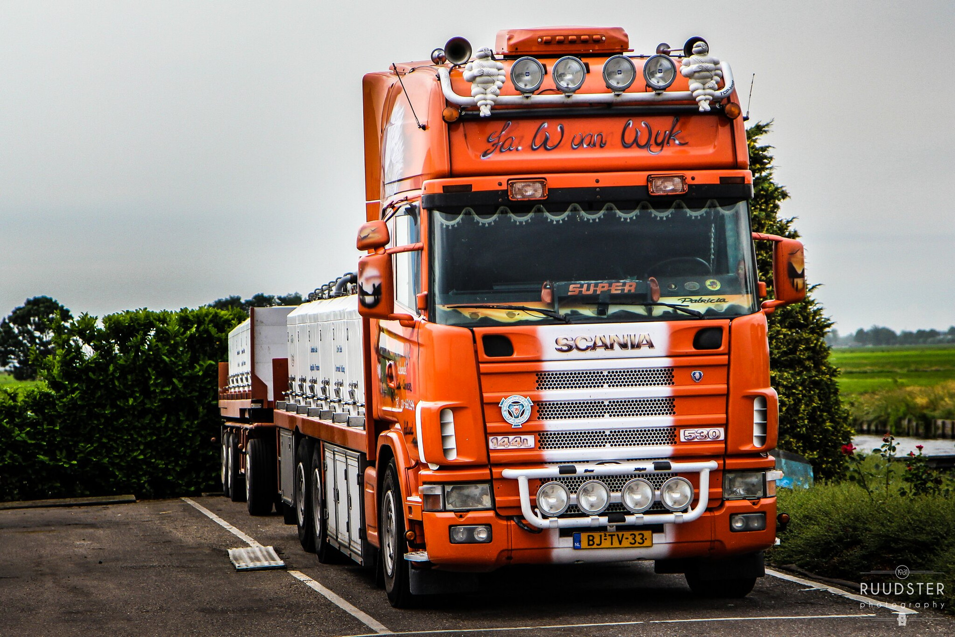 BJ-TV-33 | Build: 2001 - SCANIA R.530