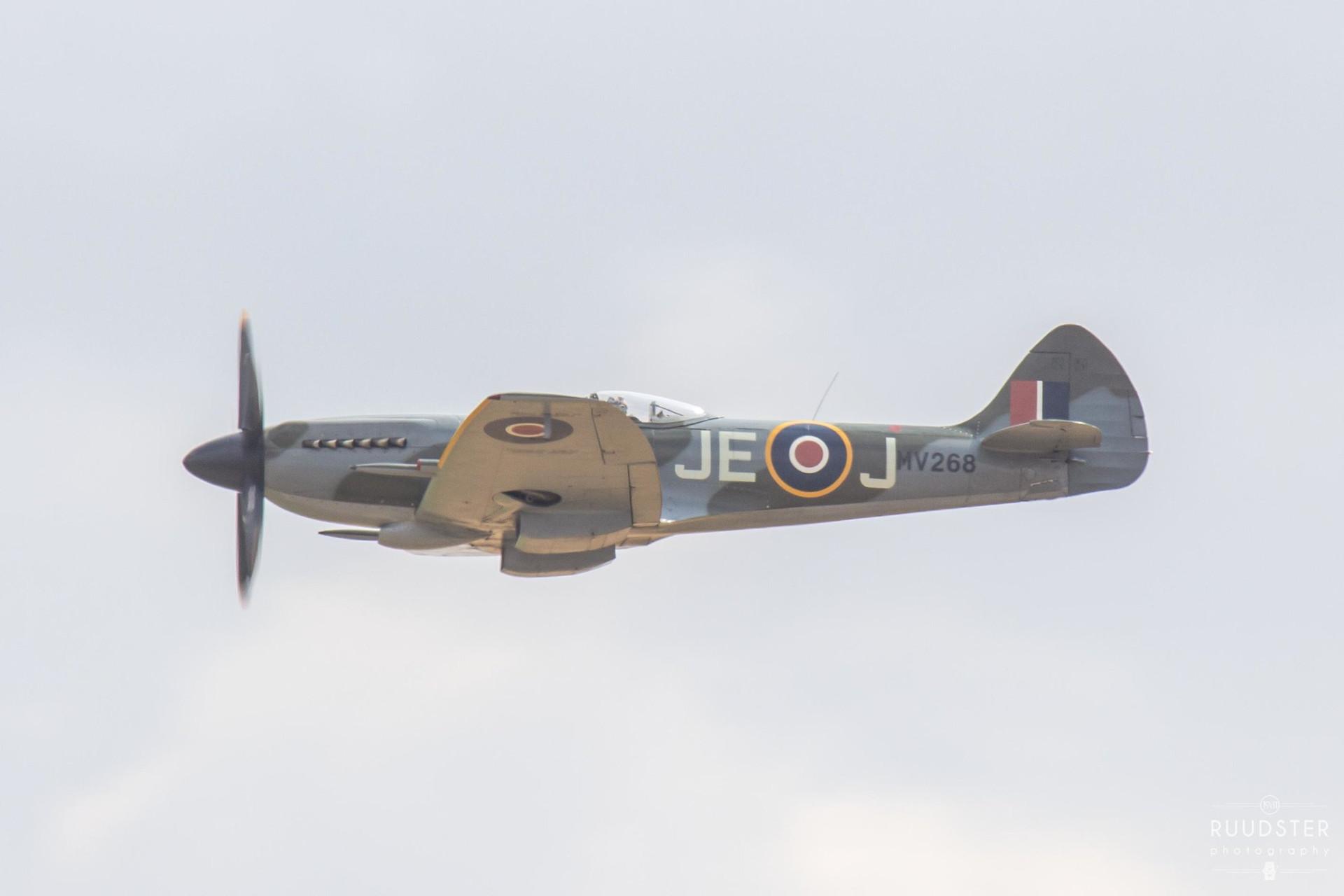 MV268 / G-SPIT   Build: 1944 - Supermarine Spitfire Mk.XIV