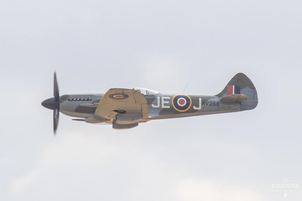 MV268 / G-SPIT | Build: 1944 - Supermarine Spitfire Mk.XIV