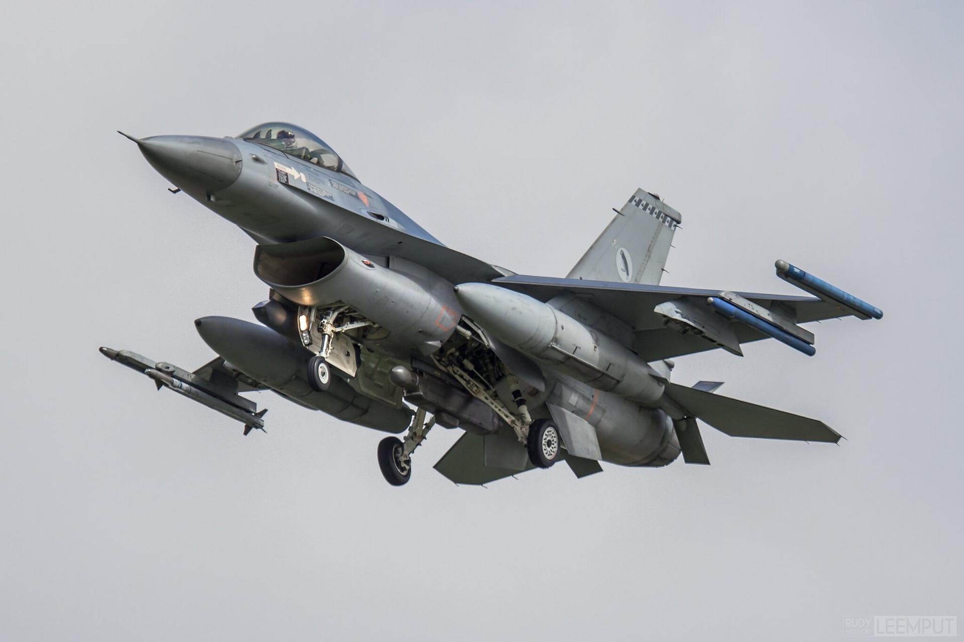 J-628   Build: 1983 - Lockheed F-16 A Fighting Falcon