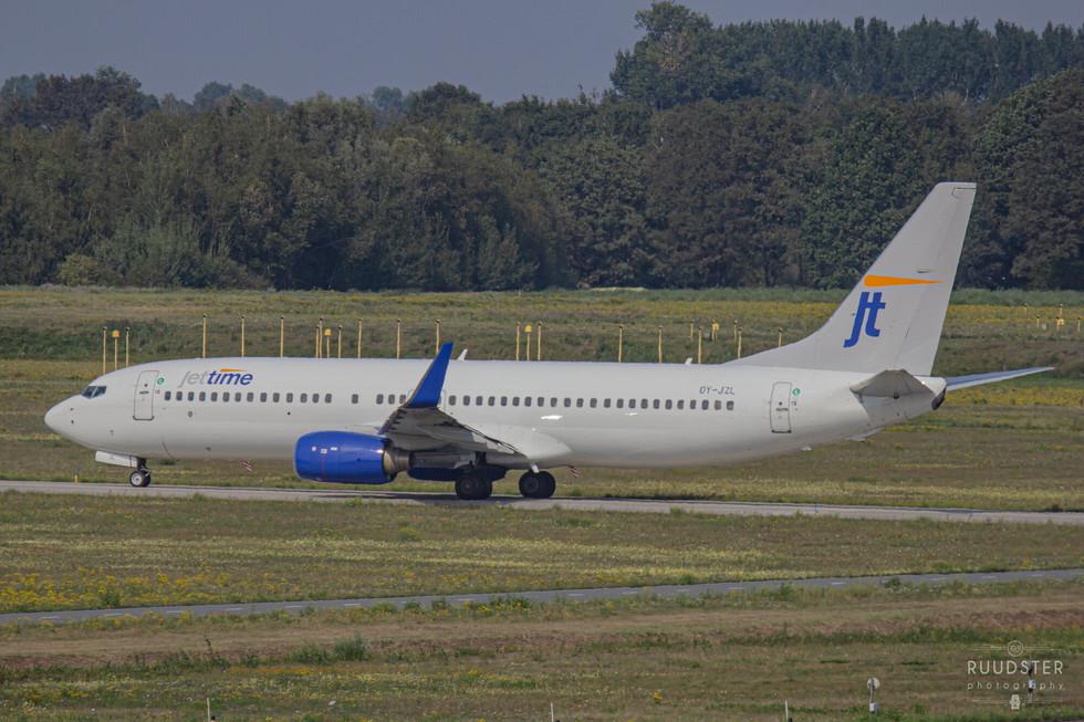 OY-JZL | Build: 2003 - Boeing 737-804