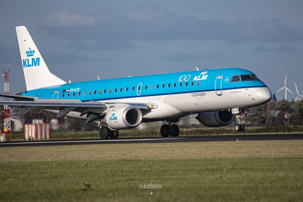 PH-EXC   Build: 2014 - Embraer 190STD