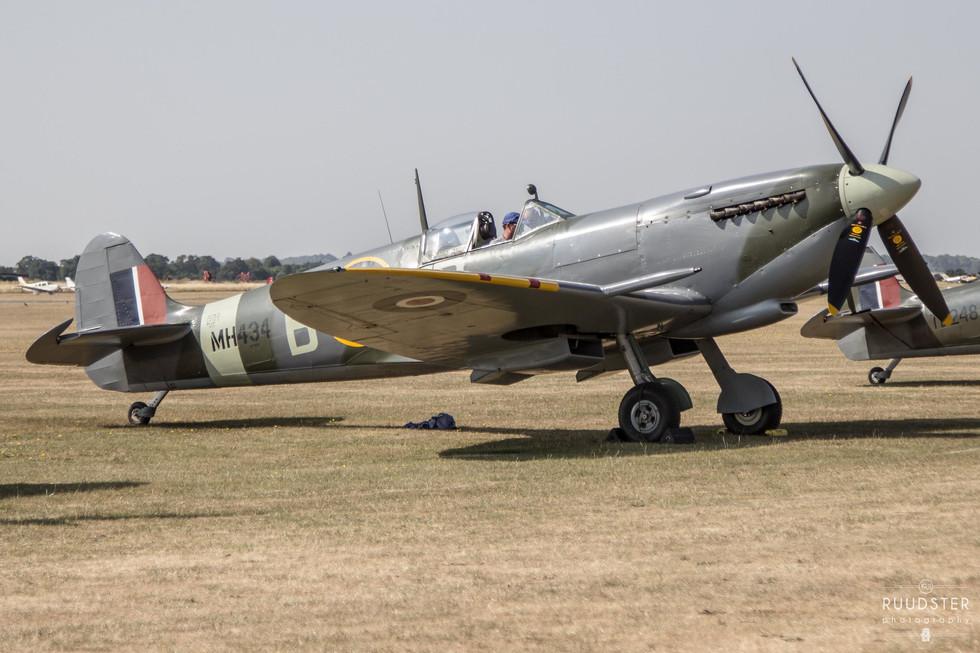 MH434 | Build: 1943 - Supermarine Spitfire Mk.IX