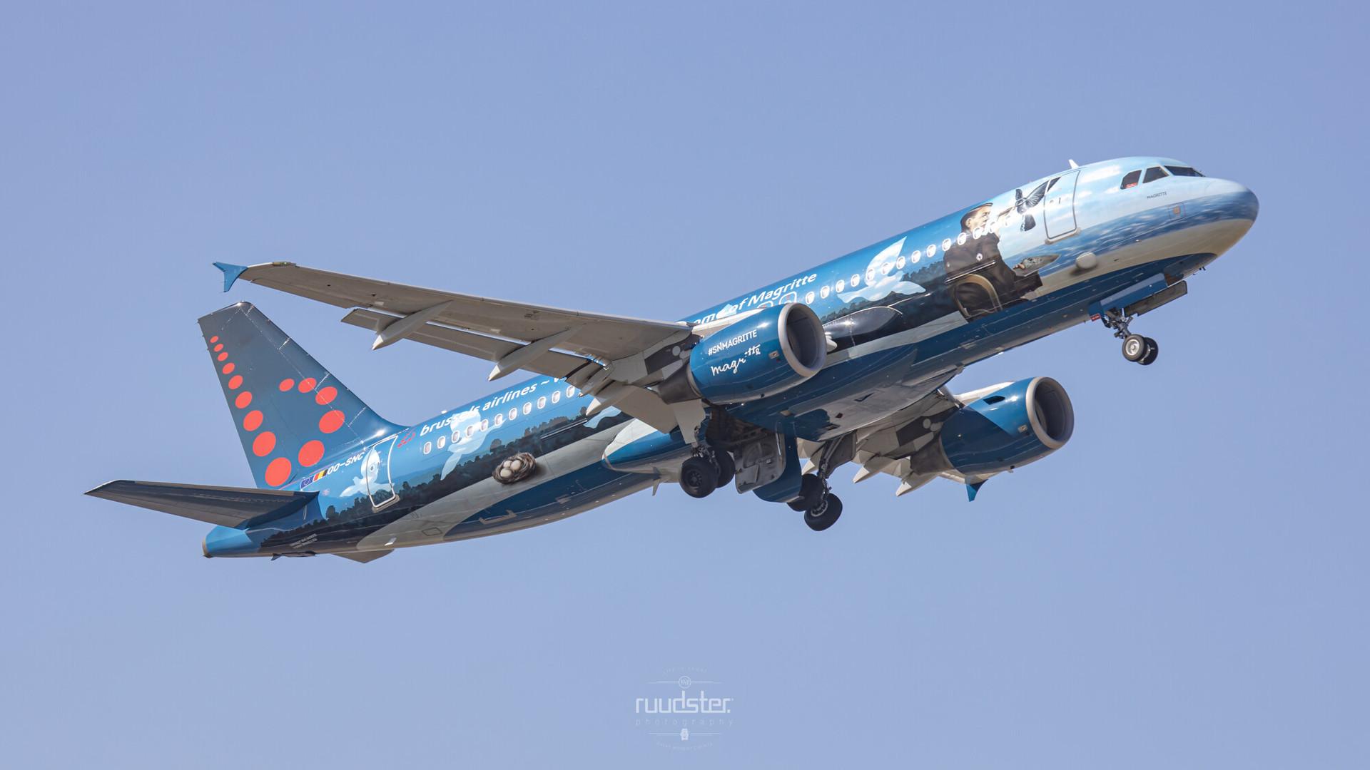 OO-SNC | Build: 2002 - Airbus A320-214