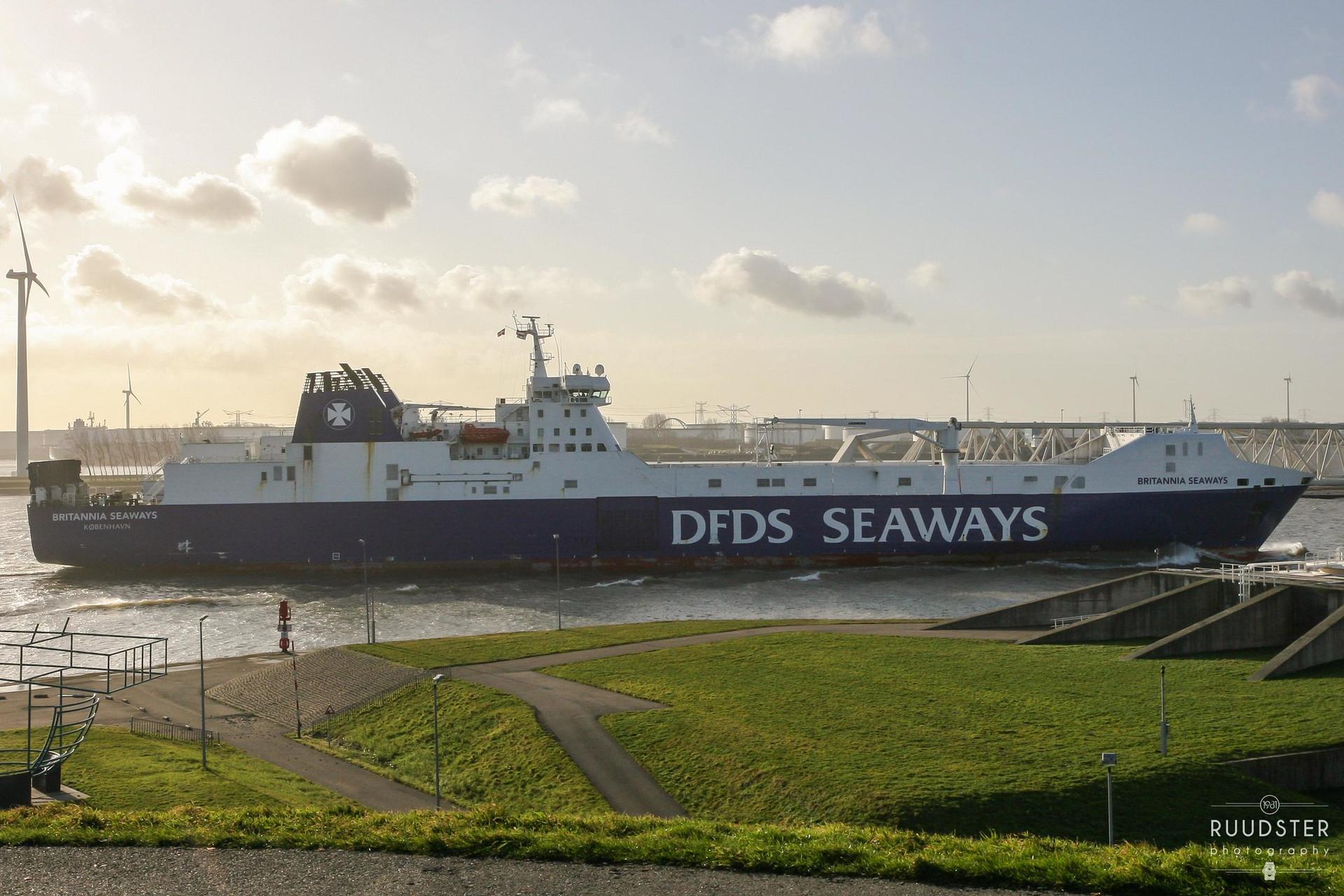 IMO: 9153032 | Build: 2000 - Britannia Seaways