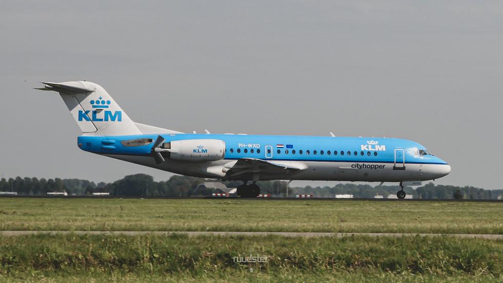 PH-WXD   Build: 1995 - Fokker F28-0070