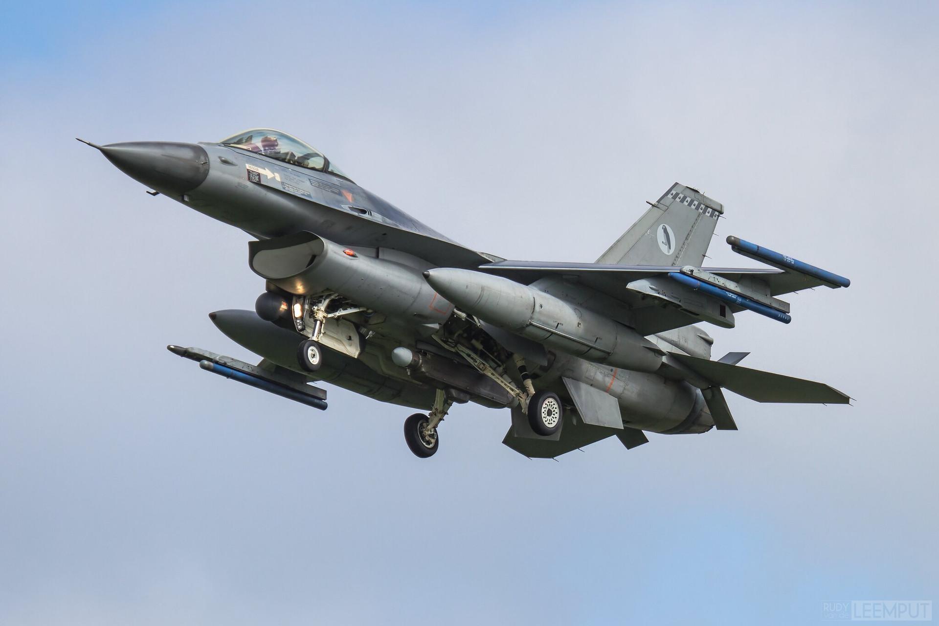 J-009   Build: 1991 - Lockheed F-16 A Fighting Falcon