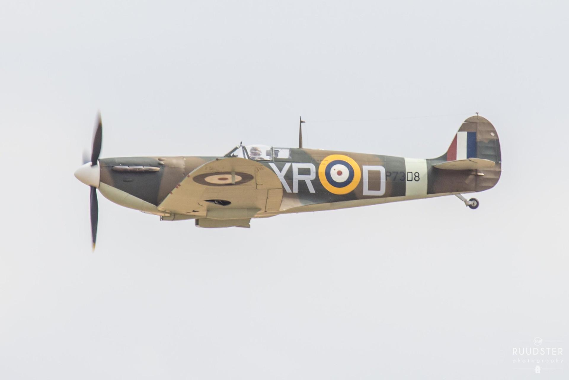 P7308 / G-AIST   Build: 1940 - Supermarine Spitfire Mk.Ia