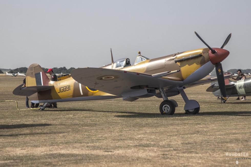 JG891 / G-LFVC | Build: 1942 - Supermarine Spitfire Mk.Vc