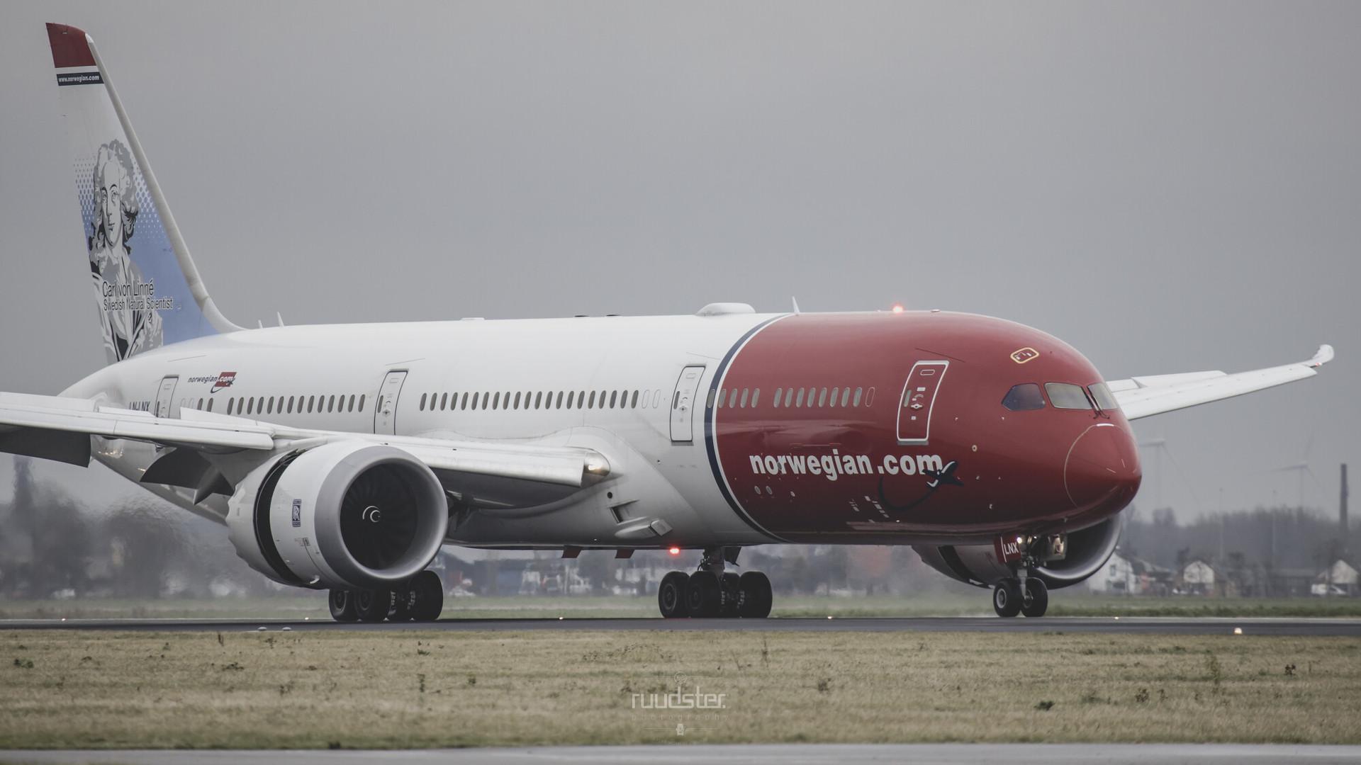 LN-LNX | Build: 2017 - Boeing 787-9