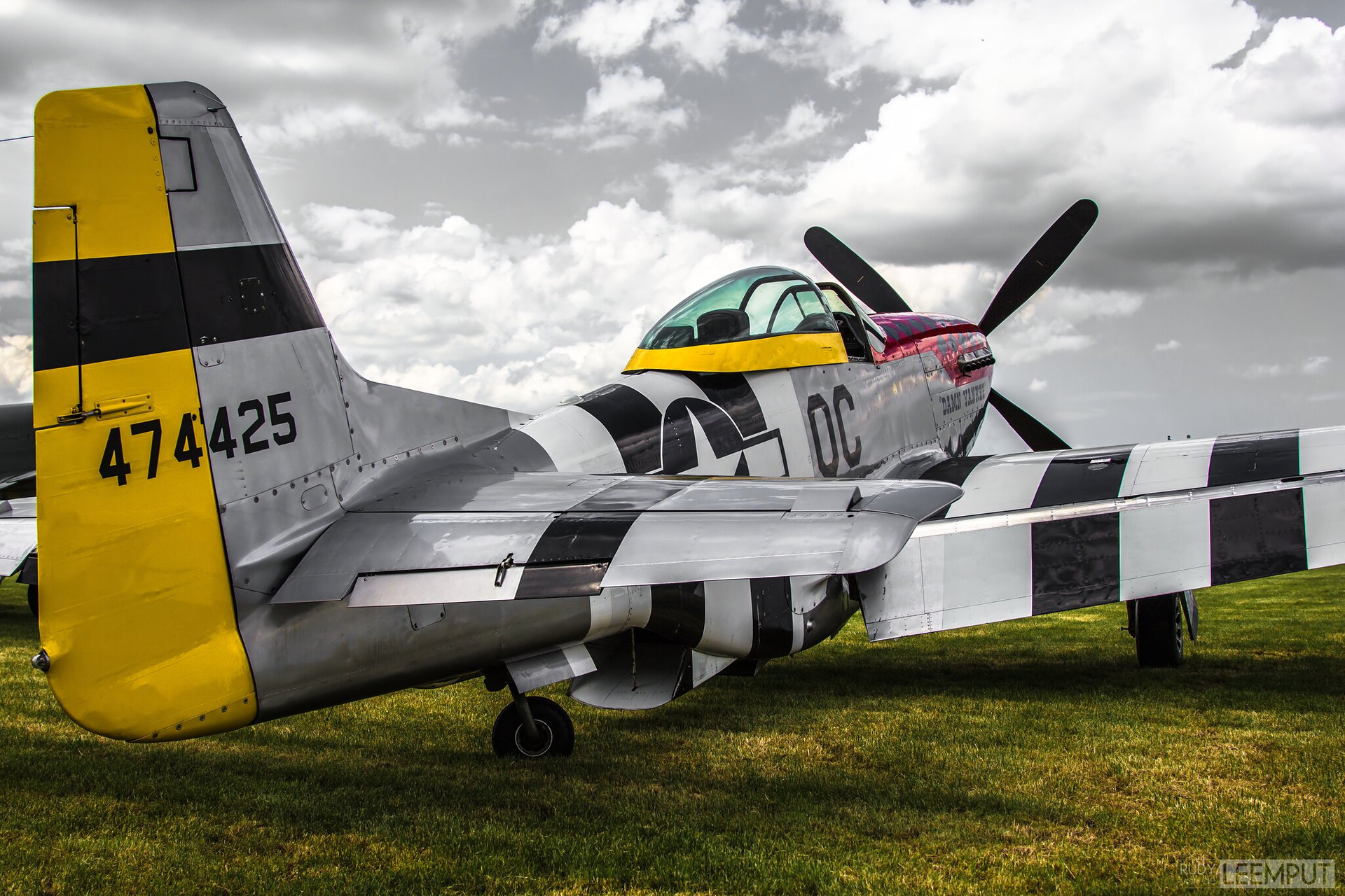 "474425 / PH-PSI   Build: 1947 - North American P-51D-30NA Mustang ""Damn Yankee"""