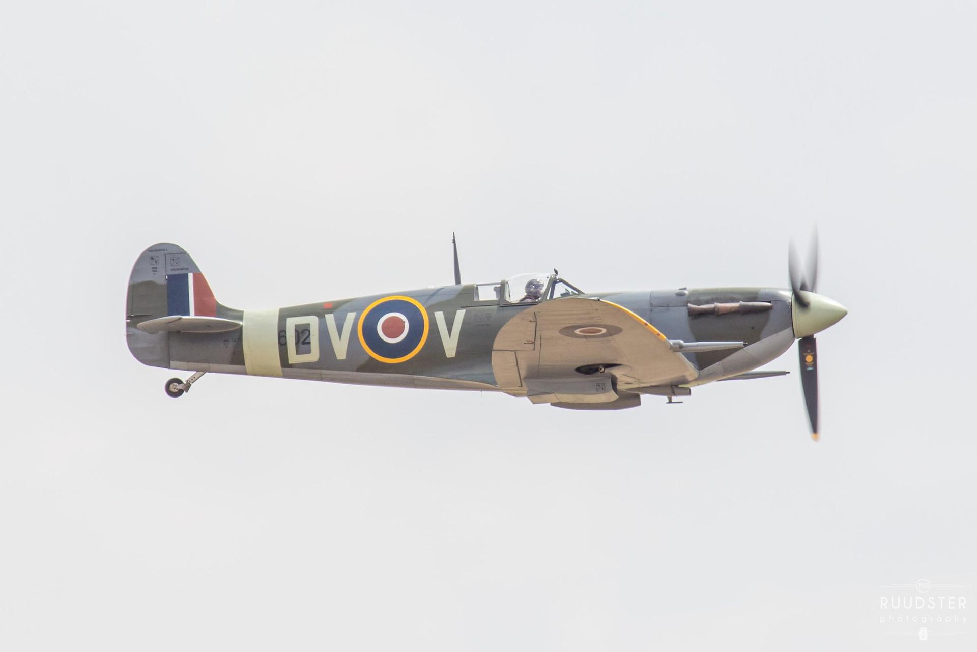 EE602   Build: 1942 - Supermarine Spitfire Mk.LF.Vc